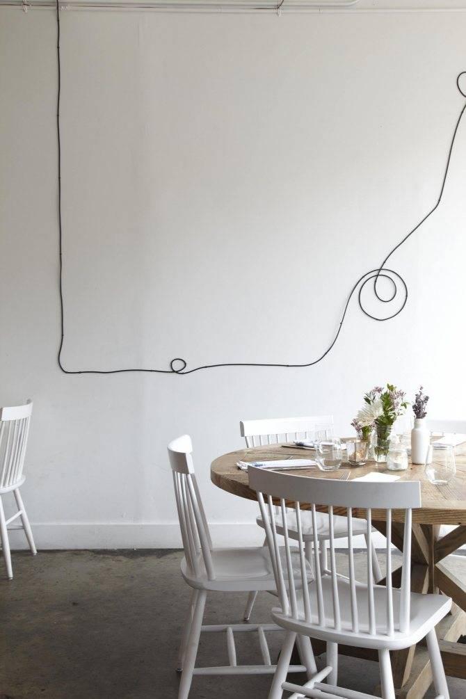 Все варианты, которые помогут декоративно скрыть проводку в доме:  как спрятать провода без штробления?