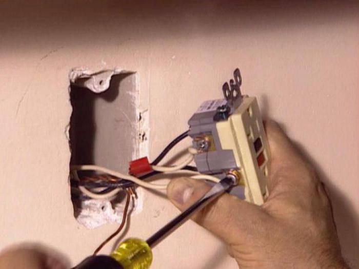 Не работает розетка в квартире: руководство по ремонту и замене
