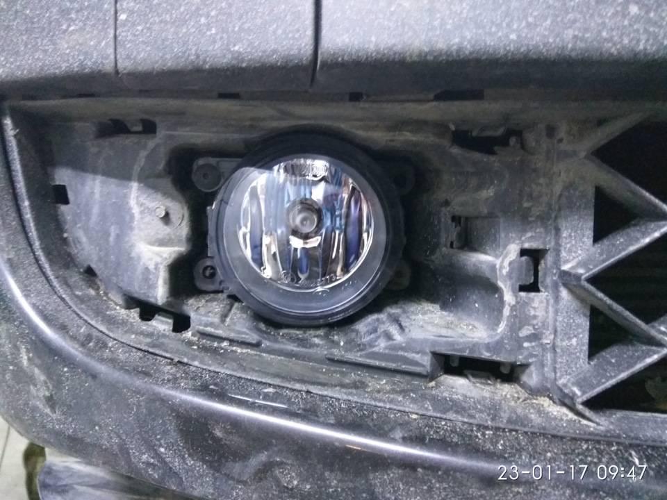 7 простых шагов для замены лампы в противотуманной фаре автомобиля