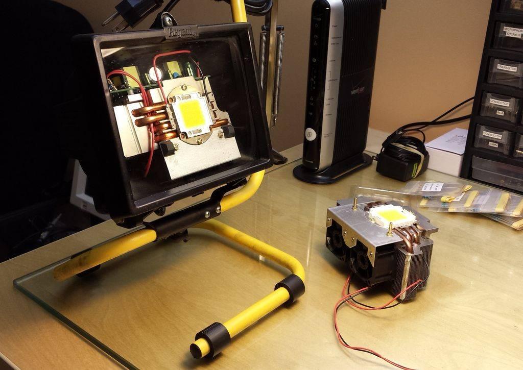 Как сделать мощный самодельный прожектор из светодиодов