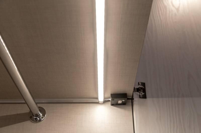 Подсветка в шкафу при открытии двери, как подключить мебельные светильники?