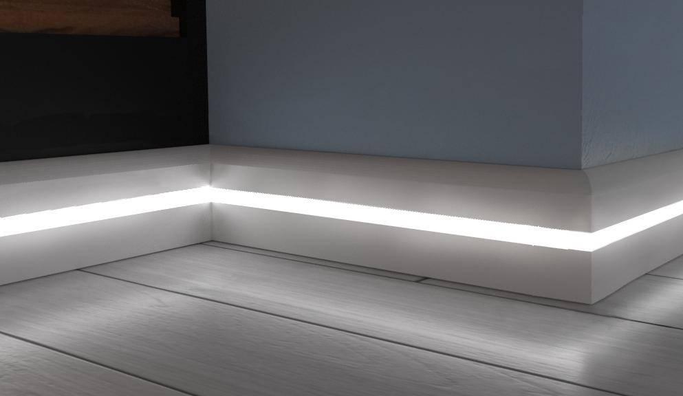 Потолочный плинтус с подсветкой для скрытого освещения, багет с подсветкой светодиодной лентой на потолок своими руками, 47 фото идей освещения