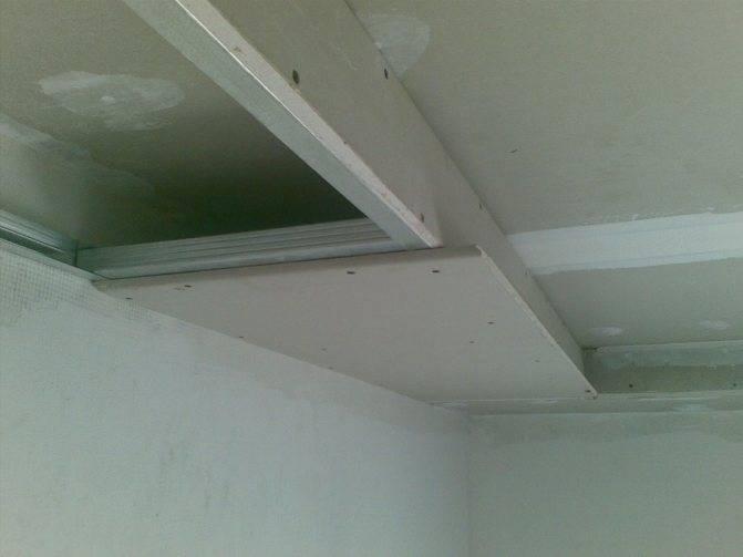 Подсветка на потолках из гипсокартона, фото потолков