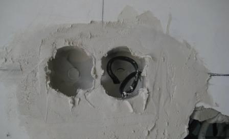 Как установить блок розеток в стену: особенности монтажа