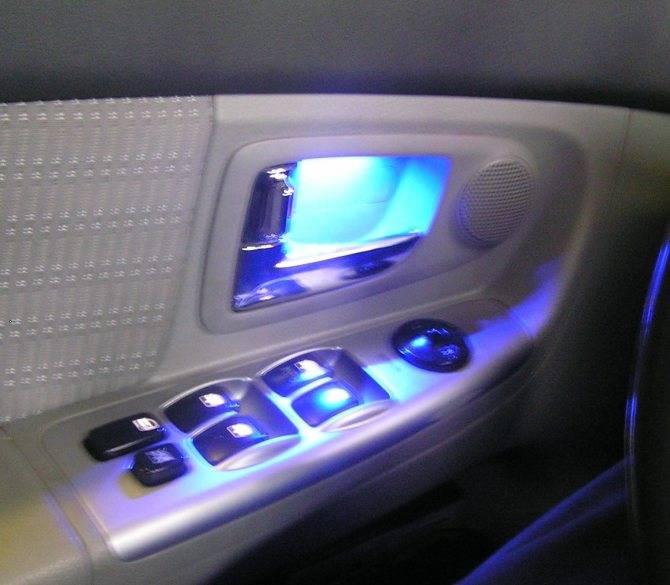 Как сделать подсветку ног в автомобиле своими руками