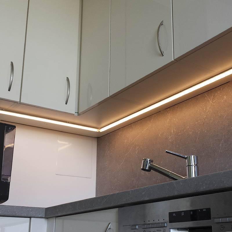 Подсветка шкафа — виды освещения, устройство, места и способы установки