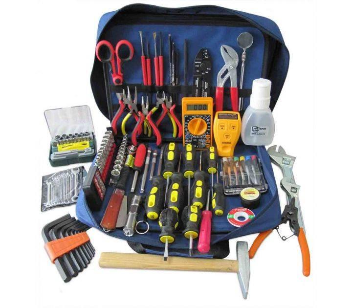 Инструмент электрика и приборы необходимые для работы