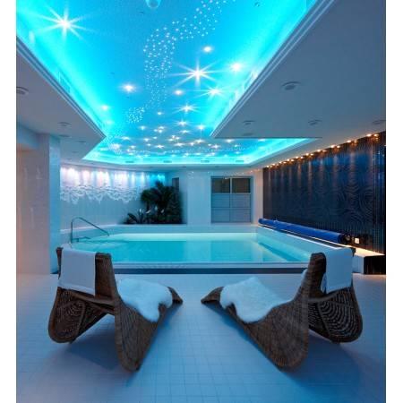 Освещение бассейнов: совмещаем красоту и безопасность