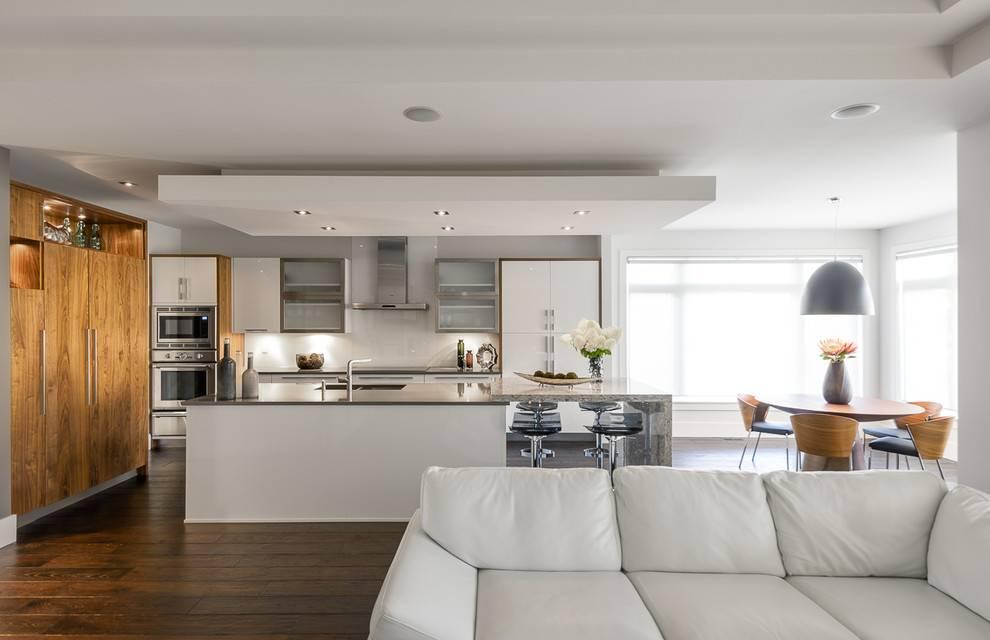 Как правильно организовать свет в гостиной, совмещенной с кухней