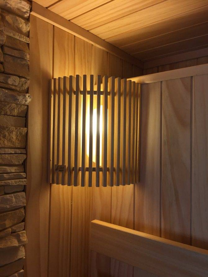Светильник для бани: можно ли использовать светодиодную лампу в парилке, какой плафон выбрать и как правильно устанавливать