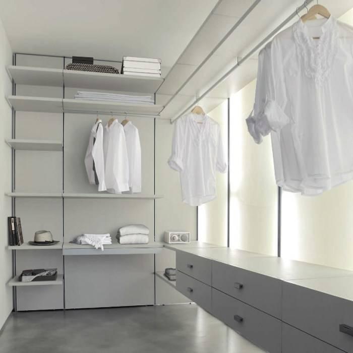Вентиляция в гардеробной: нужна ли она в комнате без окна и как ее сделать?