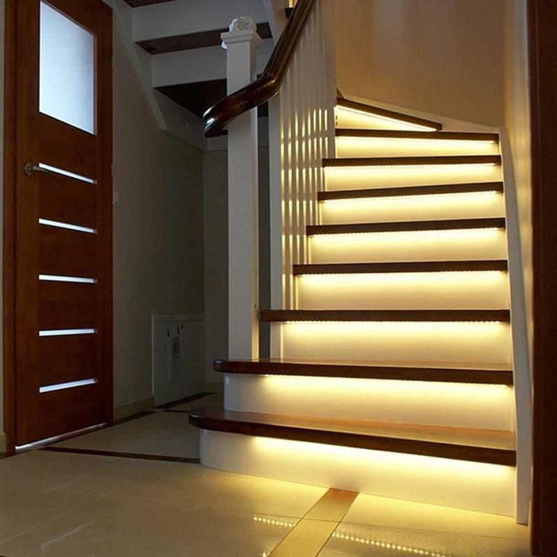 Подсветка ступеней лестницы — оригинальные варианты оформления (65 фото)
