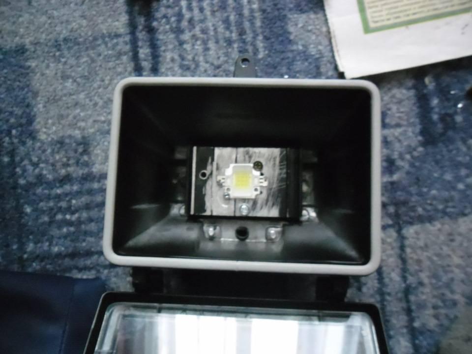 Что делать, если светодиодная лампа мигает после включения?