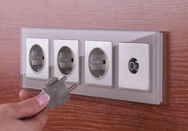 Покупаем розетки и выключатели правильно - какие выбрать?