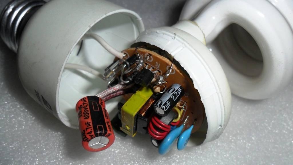 Почему светодиодная лампа мигает во включенном состоянии и как просто устранить ненужное мерцание