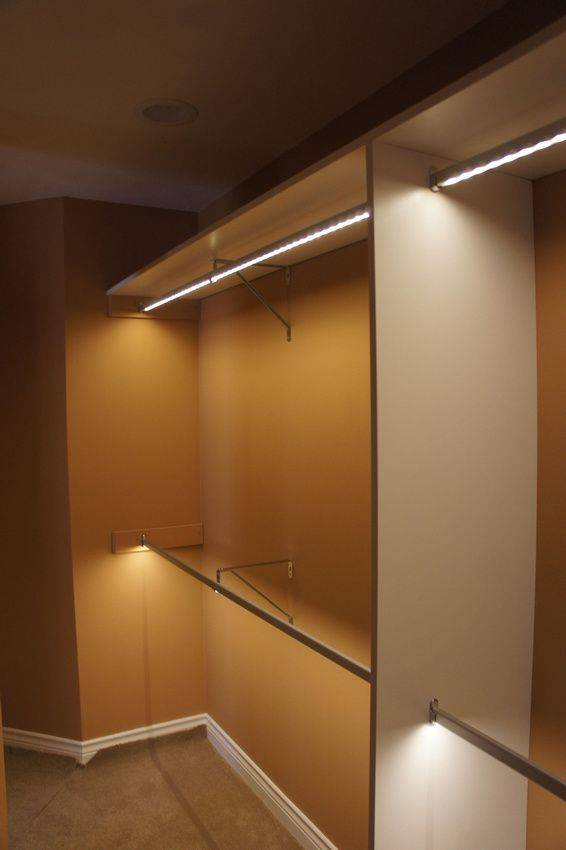 Подсветка шкафа купе и  гардеробной комнаты