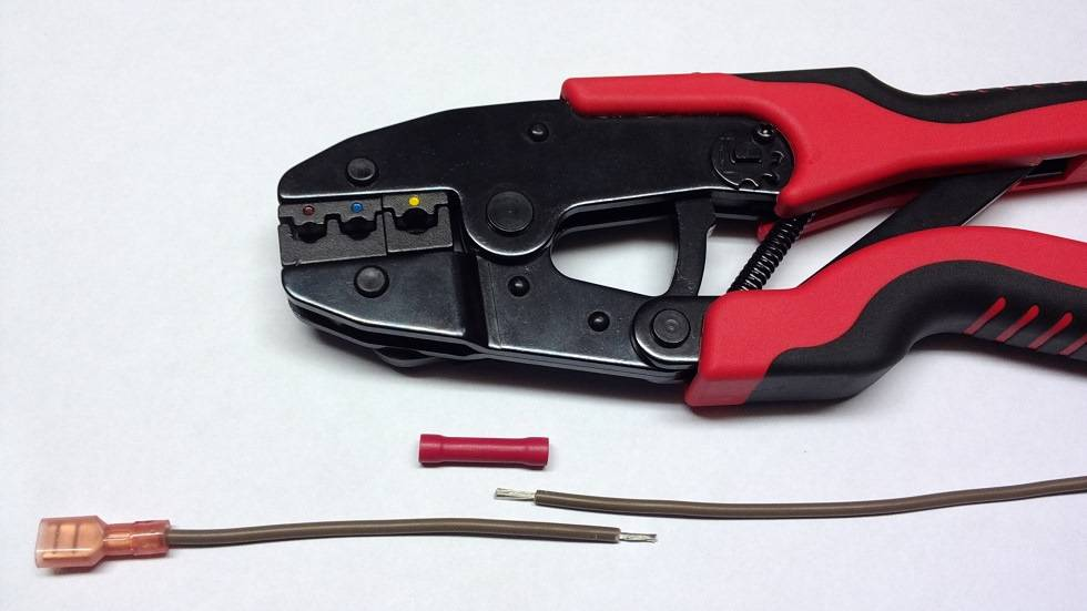 Обжимные клещи для опрессовки наконечников проводов