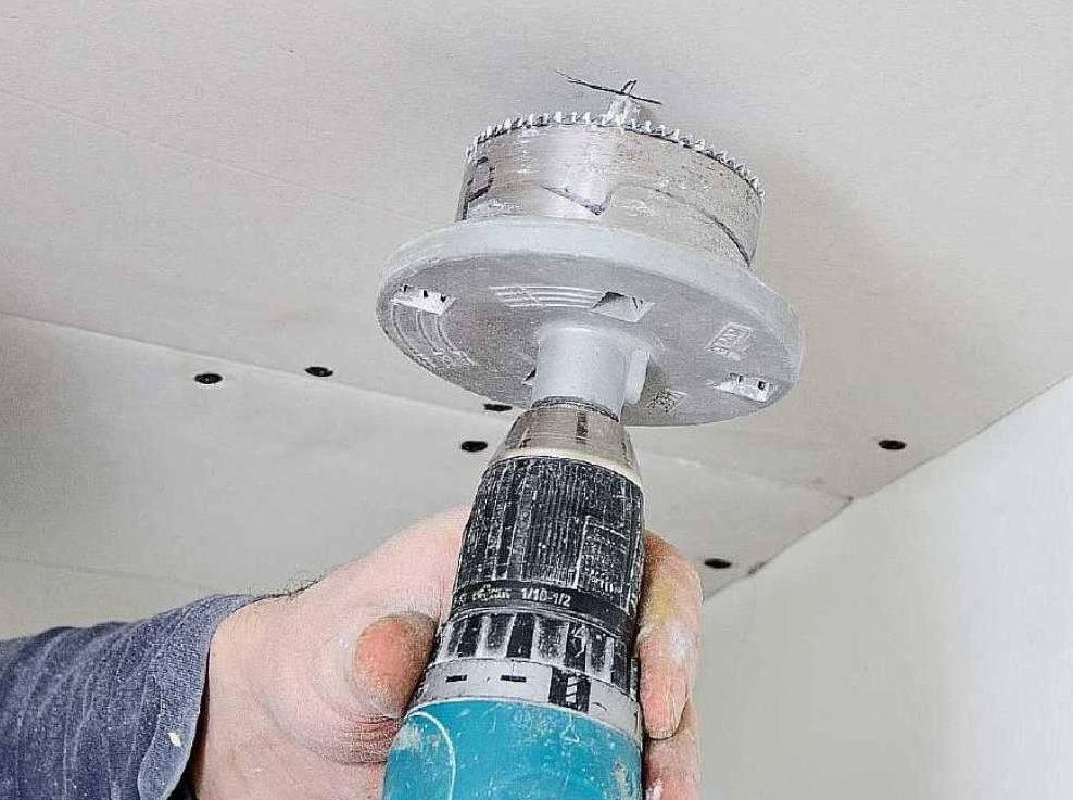 Как сделать монтаж потолочных светильников