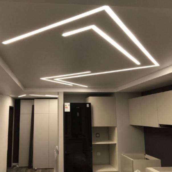 Как избежать появления полос на сатиновом и матовом потолке