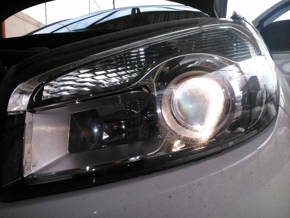 Выбор и замена лампы ближнего света и другой оптики на автомобиле nissan qashqai
