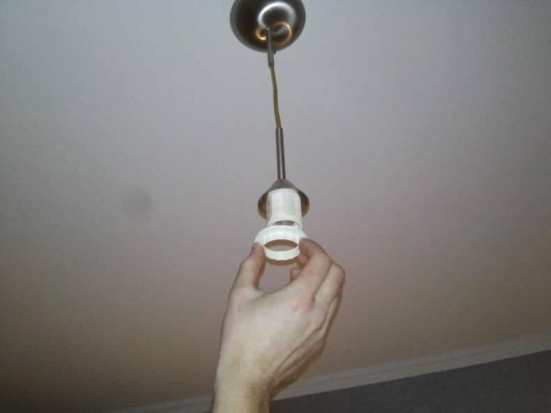 Как поменять лампочку в натяжном потолке: техника выполнения, необходимые инструменты, пошаговая инструкция и советы